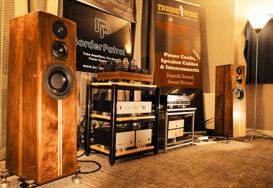 Daedelus showed their beautifully crafter speakers with an impressive array of Border Patrol electronics.