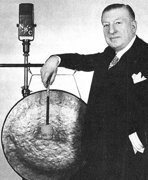 Major Bowes and the gong he used to end performances of losing contestants.