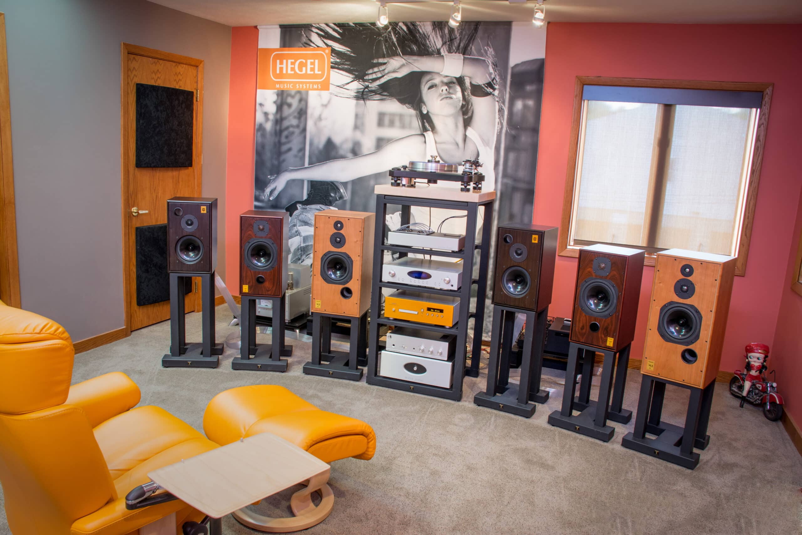 A 2-channel demo room at Northern Audio.