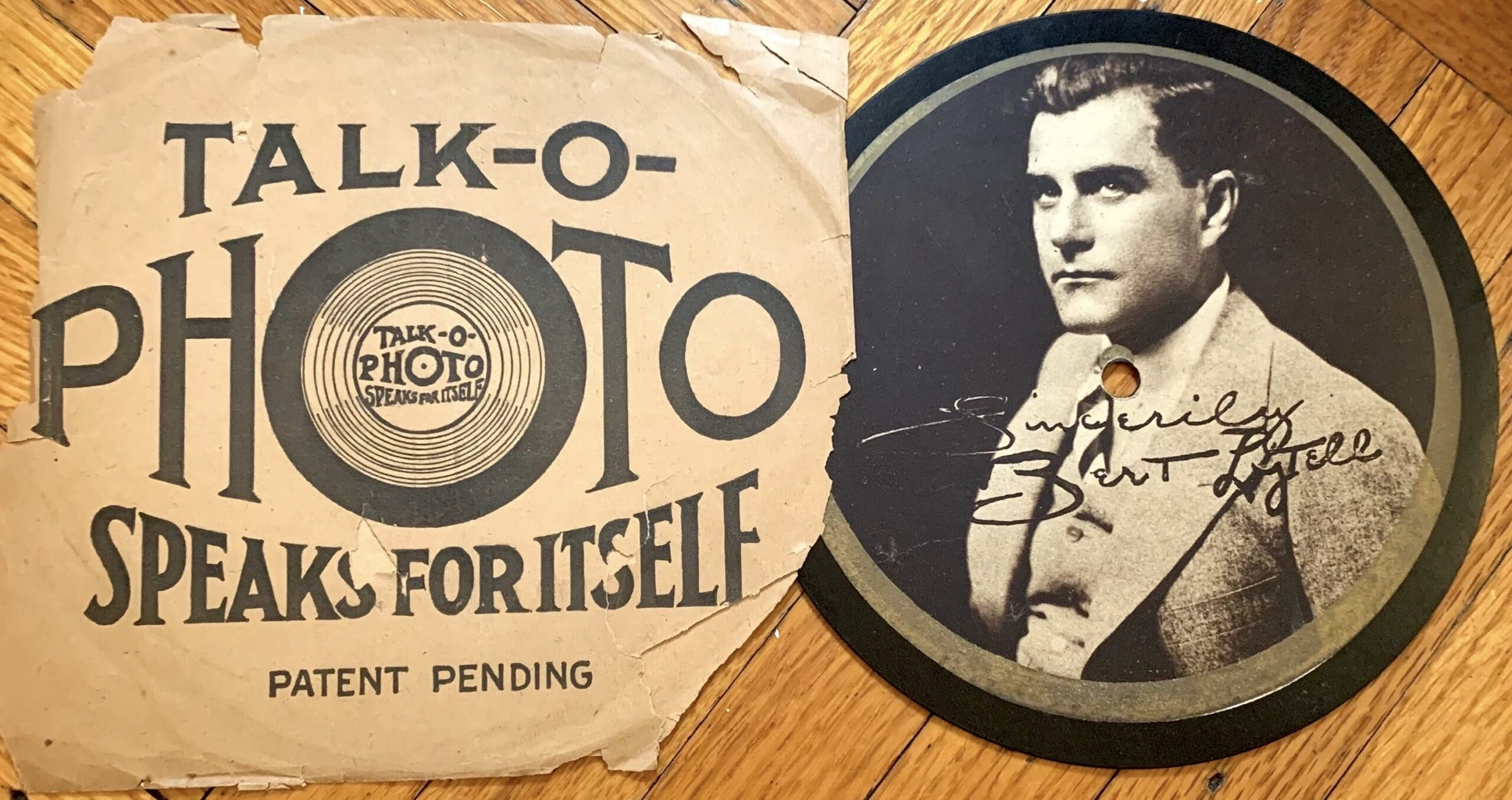 A Talk-O-Photo disc, front side.